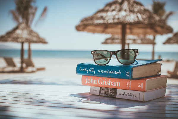 Six books in Italian for your holidays