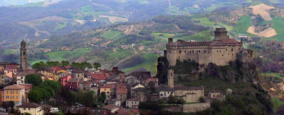 Castello di Bardi - Three creepy places to visit when in Italy